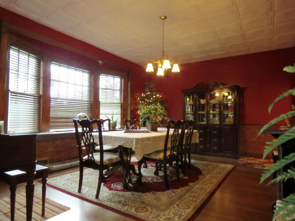 Mcintosh dining room