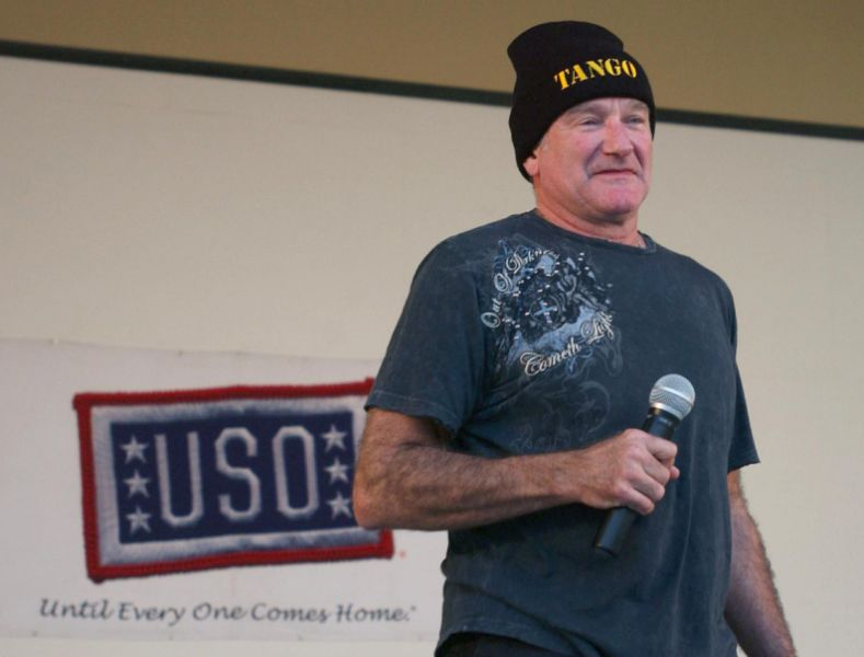 Robin Williams entertaining the US  troops.